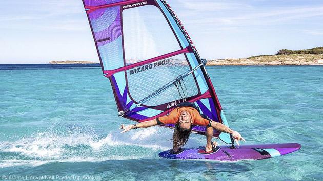 Votre séjour windsurf en Corse, à la découverte des meilleurs spots des îles