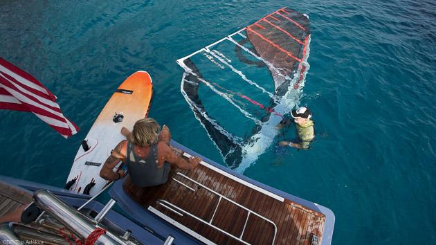 Naviguez en windsurf pendant votre croisière en Sardaigne