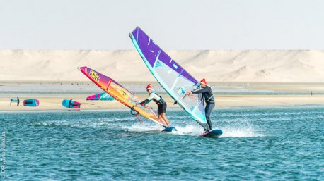 Progressez en windsurf en famille à Dakhla au Maroc