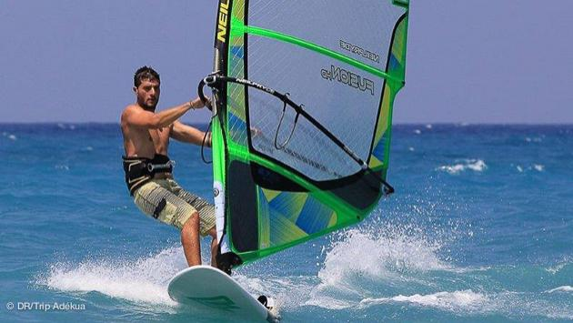 super conditions pour le windsurf à Rhodes