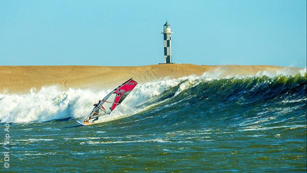 """S""""jour windsurf dans les vagues de Mancora au Pérou"""