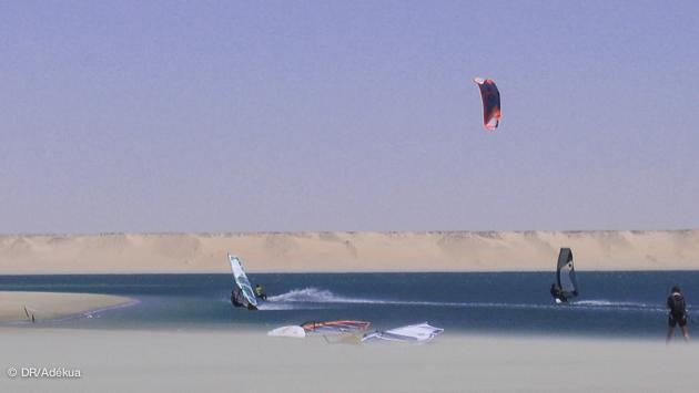 L'immensr lagune de DAkhla est le paradis du windsurf freeride