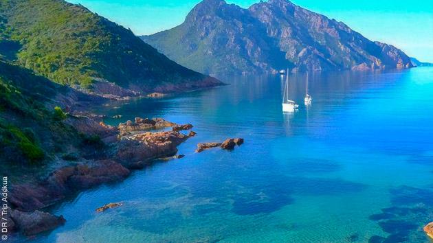 Des vacances windsurf sur un voilier entre Corse et Sardaigne
