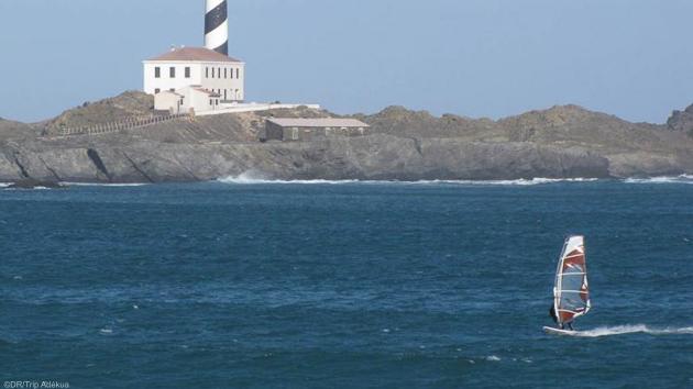 progressez en windsurf sur les plus beaux spots des Baléares