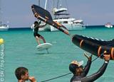 Découvrir le Wingfoil en Corse - voyages adékua