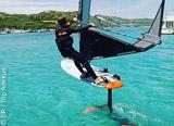 Windfoil, du windsurf avec un foil - voyages adékua