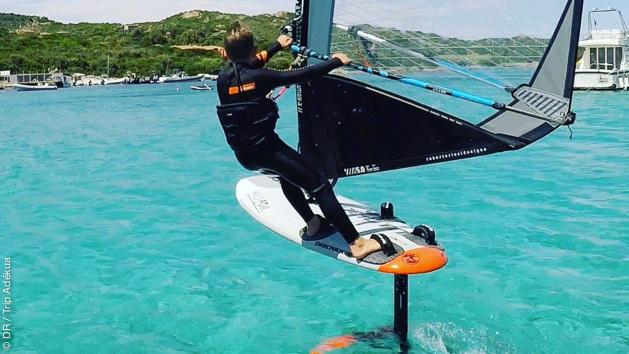 windsurf sur foil en Corse