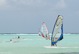 Naviguez au paradis aquatique, sur le spot de Sorobon - voyages adékua