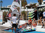 Votre club de windsurf face à un des meilleurs spots des Canaries - voyages adékua