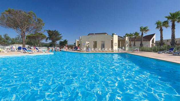 Résidence avec piscine et services pour un séjour tout confort à Gruissan