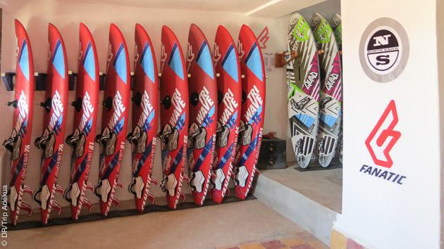 dumatos de windsurf haut de gamme au centre de Moulay au Maroc