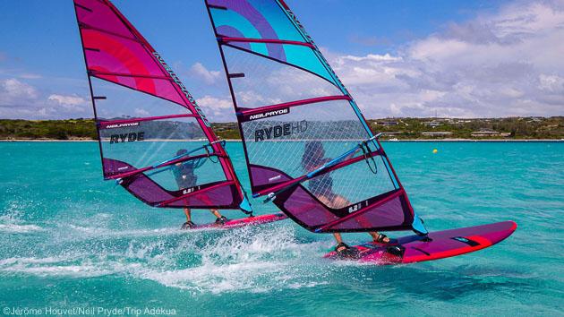 Découvrez les plus beaux spots de windsurf de Corse