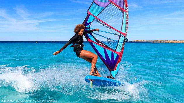 Un séjour windsurf parfait pour naviguer sur les meilleurs spots de Bonifacio