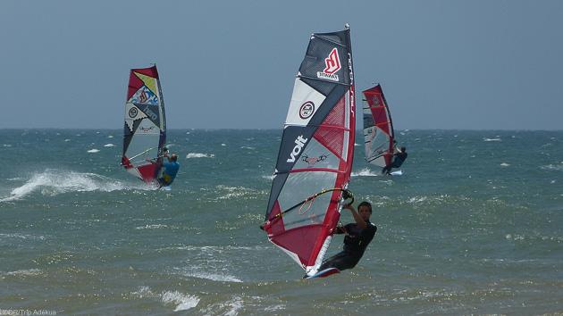 Venez progresser en windsurf dans les vagues de Moulay