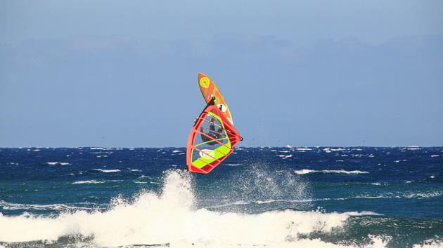 Progressez en windsurf sur les meilleurs vagues de Tenerife