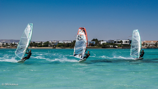 gros bords de windsurf freeride sur le lagon d'el gouna