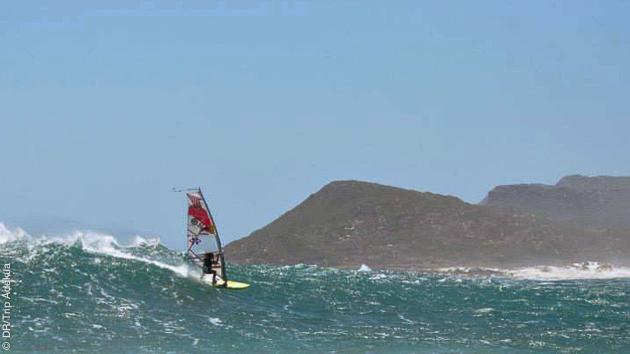 naviguer dans des vagues de folie en Afrique du sud