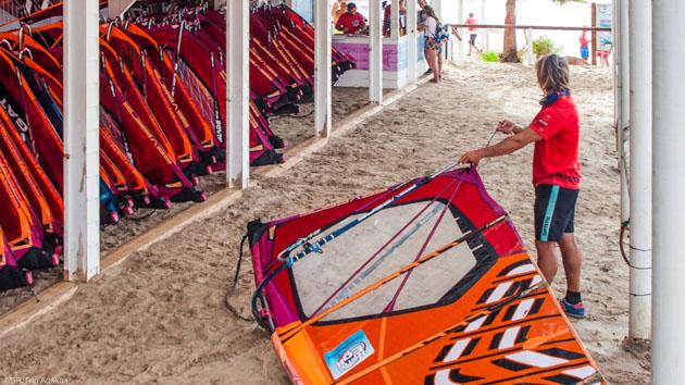Le meilleur matériel de windsurf à votre disposition à Fuerteventura