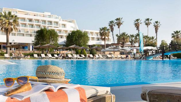 Votre hébergement en hôtel 4 étoiles à Rhodes pour un séjour windsurf de rêve