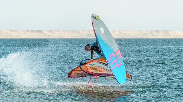 Progressez en windsurf avec 10 heures de cours sur la lagune de Dakhla