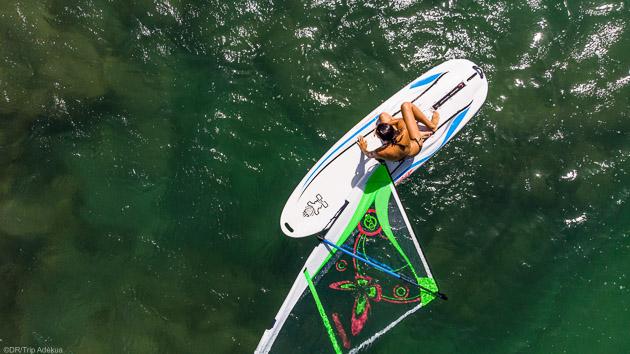 Débutez et progressez en windsurf pendant votre séjour à Fuerteventura