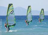 Stage de windsurf sur le meilleur spot de Rhodes pour débuter en toute sécurité - voyages adékua