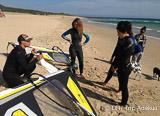 Votre stage de windsurf à Bolonia sur un des meilleurs spots d'Europe - voyages adékua