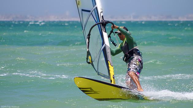 10 heures de cours de windsurf pour progresser au Maroc