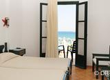 Votre hôtel 4* les pieds dans l'eau à Paros - voyages adékua