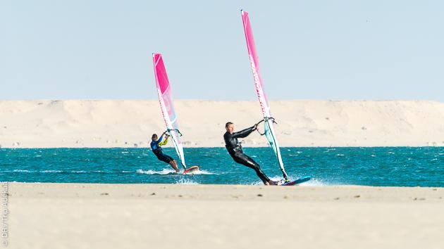 Progresser en windsurf pendant votre séjour sur la lagune de Dakhla au Maroc