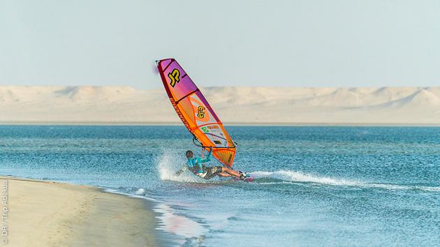 Progresser en windsurf sur les meilleurs spots de la lagune de Dakhla